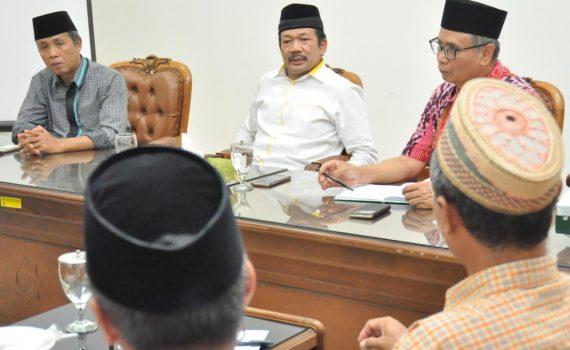 Ketua DPP MAJT Prof Dr Noor Ahmad MA saat memimpin rapat terkait UAS membatalkan sepihak pengajian di MAJT.